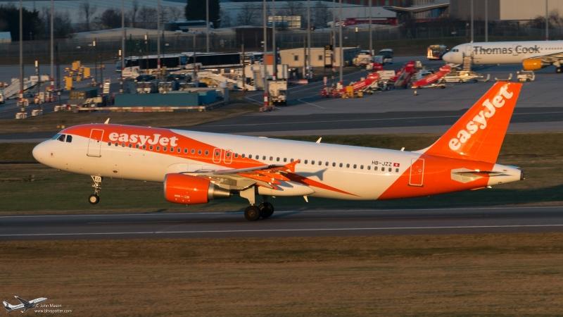 HB-JZZ,A320,EZS