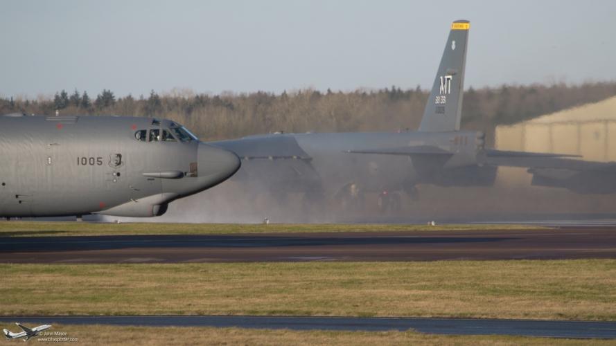 61-0005 B52H USAF 3